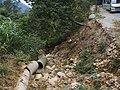 被毁坏的三十六湾登山道出口 - Damaged Exit of Sanshiliuwan Mountain Trail - 2014.12 - panoramio.jpg