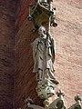 045 Hospital de Sant Pau, edifici d'Administració, façana sud-est, el bisbe Joan Ermengol.JPG