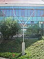 1090 Alser Straße 2-4 - Altes AKH - Hof 2 - Stahlmobile Four Lines Oblique von George Rickey 1970 IMG 3594.jpg