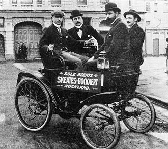 Automotive industry in New Zealand - 1899 Star 3½ hp motor car with vis-à-vis body imported by the driver, Arthur Marychurch