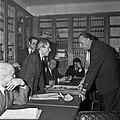 1969 visite Bernard Pons au CNRA-49-cliche Jean Weber.jpg