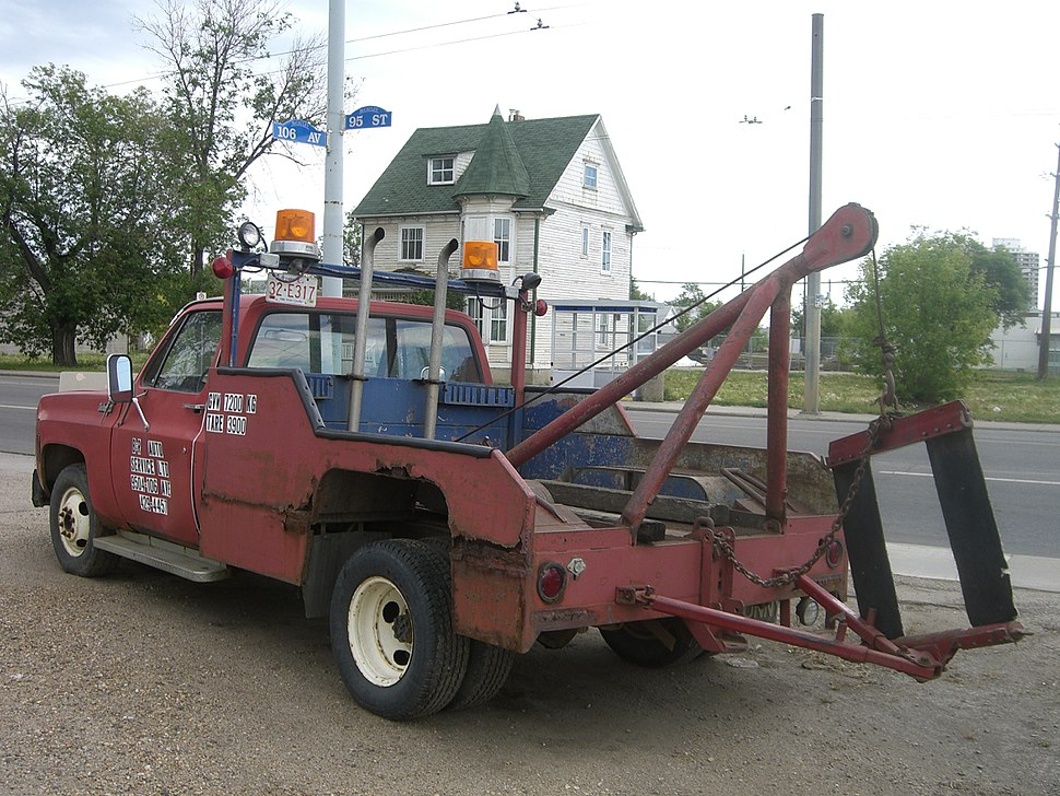 1980s style tow truck