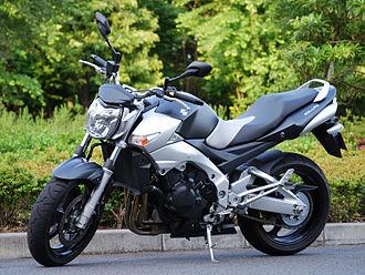 Suzuki GSR600 - Suzuki GSR400