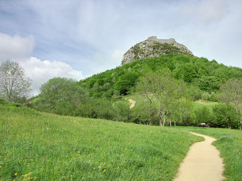 Château de Montségur, vu de l'ouest (chemin depuis le parking visiteurs)