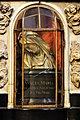 2016-05-09-bonn-muensterbasilika-innenansicht-taufe-jesu-altar-02.jpg