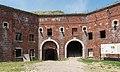 2016 Twierdza Srebrna Góra, fort główny (donżon) 5.jpg