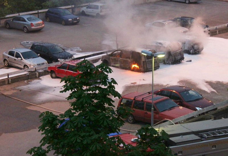 File:3 cars, Husby riots of Stockholm.jpg