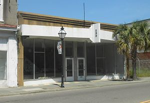 Charleston School of Law - The first location of the Charleston School of Law in 2003 was at 560 King St.