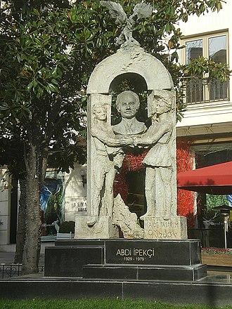 Abdi İpekçi - Memorial statue of Abdi İpekçi