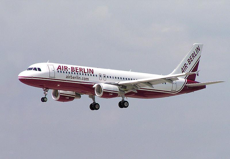 Air Berlin Airbus A320-200 D-ABDQ DUS.jpg