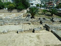 Albania 067 - Sarandë, ancient synagoge.jpg