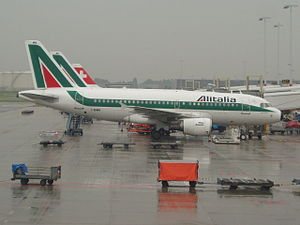 English: Alitalia Airbus A319-100 at Amsterdam...