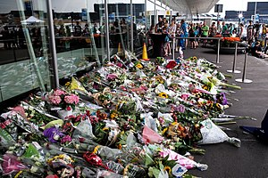 Amsterdam Airport- Flight MH17 Memorial (14675744526).jpg