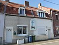 Anhiers - Rue des Poux-Volants, calvaire, autrefois chapelle (01).JPG