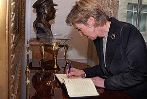 Guestbook - Norwegian Minister of Defense Anne-Grete Strøm-Erichsen signs a guestbook at the Pentagon in 2007