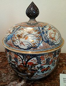18th-century Imari covered tureen in the District Museum Tarnów is an ex&le of export porcelain collected by Polishu2013Lithuanian Commonwealthu0027s magnateria. & Imari ware - Wikipedia
