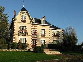 Arnouville-lès-Mantes - Town hall