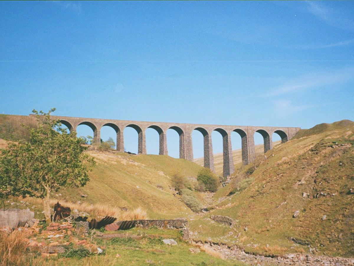 Artengill Viaduct - geograph.org.uk - 1255070.jpg