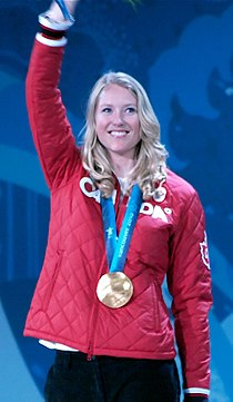 Ashleigh McIvor on the podium at 2010 Winter Olympics cropped.jpg