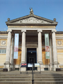 Ashmolean Museum Forecourt March 2015.png