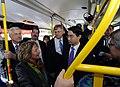 Auch die VIPs fahren mit den Shutte-Bus (6158151139).jpg