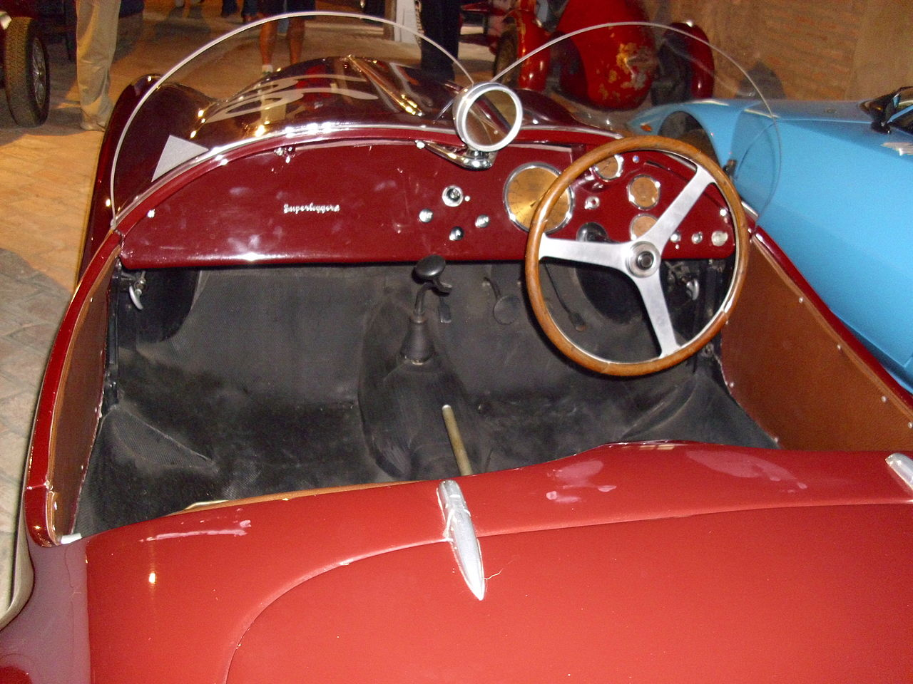 Interieur auto  File:Auto Avio Interieur.JPG - Wikimedia Commons