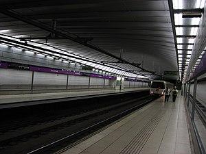 Bac de Roda (Barcelona Metro) - Image: Barcelona Metro Bac de Roda