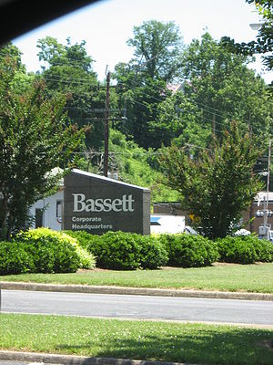 Bassett Furniture - Image: Bassett Sign
