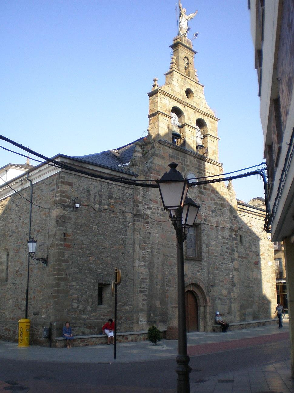 Bembibre Iglesia 2 - 2008-07-18 - JT Curses