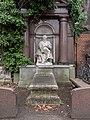 Berlin St. Petri Luisenstadt Friedhof Grab Ernst Hillig 022193.jpg