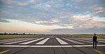 Berlin Tempelhof Airport Runway 09L - Tempelhofer Feld (15159356029).jpg