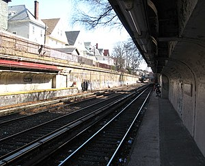 Beverley Road (BMT Brighton Line) - Looking south toward Cortelyou Road station