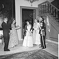 Bezoek van de president van Argentinië, Arturo Frondizi op het Huis den Bosch (g, Bestanddeelnr 911-3875.jpg