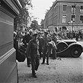 Bezoek van veldmaarschalk Montgomery aan Amsterdam. Aankomst bij het Amstelhotel, Bestanddeelnr 900-6877.jpg