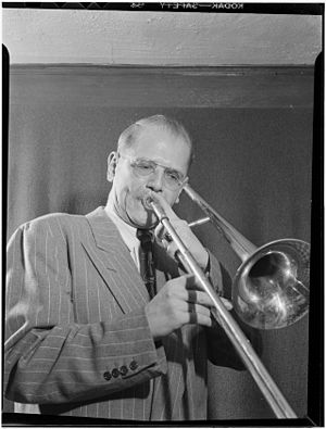 Bill Harris (musician) - Bill Harris, 1947, Photo: William P. Gottlieb