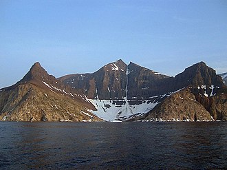 Kaumajet Mountains - Image: Bishop's mitre Labrador