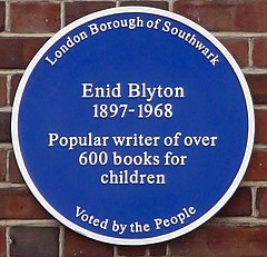 Blyton blue plaque.jpg