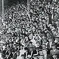 Boca river fans miran a camara.jpg