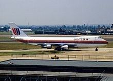 Boeing 747-122, United Airlines AN1094854.jpg