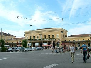 Bologna Centrale railway station - View of the station building in 2006