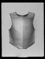 Bröstharnesk, karolinsk typ 1600-talets slut - Livrustkammaren - 70764.tif