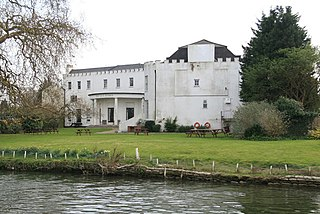 Bray Studios (UK) Former film and television production complex in UK