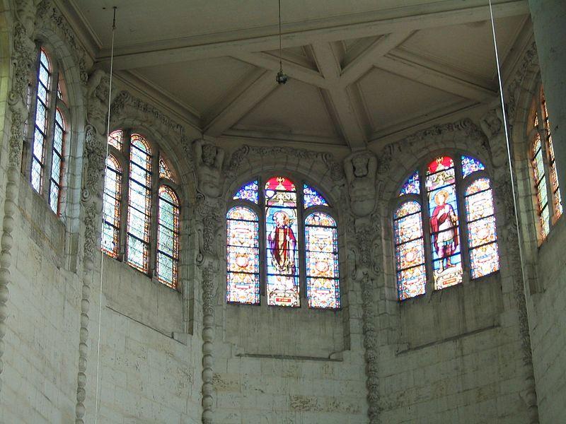 Brienon-sur-Armançon, baies de la collégiale Saint-Loup vues de l'intérieur.