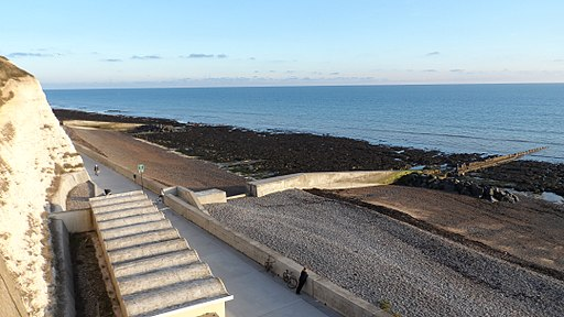 Brighton Undercliff Walk and beach