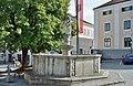 Brunnen mit Prangermandl-Statue, Ybbs.jpg