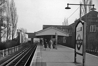 Burnt Oak tube station - Image: Burnt Oak railway station 1951303 a 449cb 96