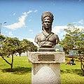 Busto del líder indígena atlacatl.jpg