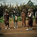 COLLECTIE TROPENMUSEUM Een dansvoorstelling van de Village Dancers TMnr 20038851.jpg
