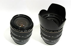 Canon EF 28-105 3.5-4.5 USM II with and without Lens Hood.jpg