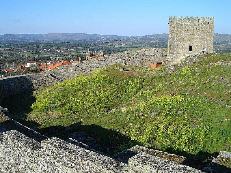 Imagem:Castelo de Celorico da Beira.JPG